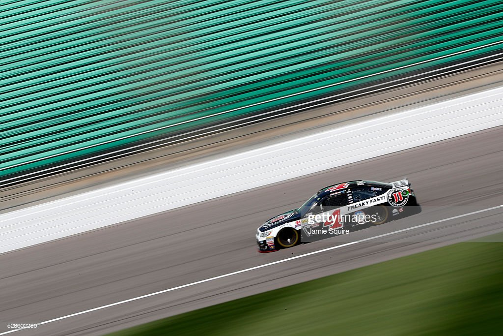 <a gi-track='captionPersonalityLinkClicked' href=/galleries/search?phrase=Kevin+Harvick&family=editorial&specificpeople=209186 ng-click='$event.stopPropagation()'>Kevin Harvick</a>, driver of the #4 Jimmy John's Chevrolet, drives during practice for the NASCAR Sprint Cup Series Go Bowling 400 at Kansas Speedway on May 6, 2016 in Kansas City, Kansas.