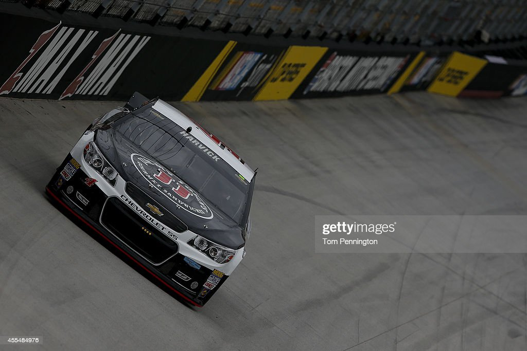 <a gi-track='captionPersonalityLinkClicked' href=/galleries/search?phrase=Kevin+Harvick&family=editorial&specificpeople=209186 ng-click='$event.stopPropagation()'>Kevin Harvick</a>, driver of the #4 Jimmy John's Chevrolet, practices for the NASCAR Sprint Cup Series Irwin Tools Night Race at Bristol Motor Speedway on August 22, 2014 in Bristol, Tennessee.
