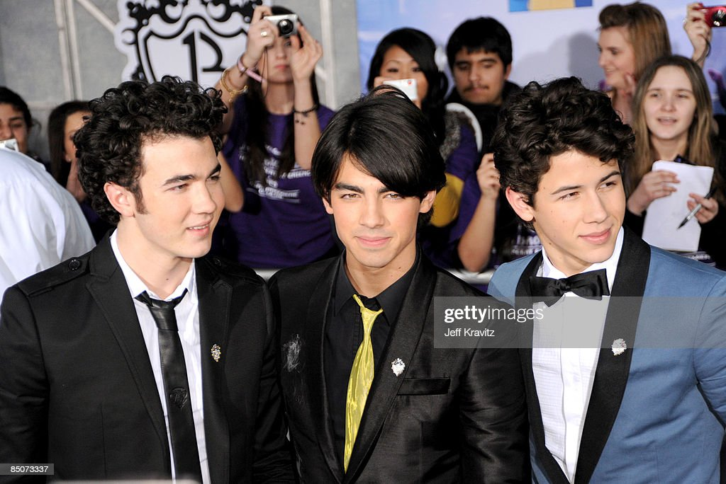 Kevin Jonas, Joe Jonas and <a gi-track='captionPersonalityLinkClicked' href=/galleries/search?phrase=Nick+Jonas&family=editorial&specificpeople=842713 ng-click='$event.stopPropagation()'>Nick Jonas</a> at the 'Jonas Brothers: 3D Concert Experience' Premiere at El Capitan Theatre on February 24, 2009 in Hollywood.