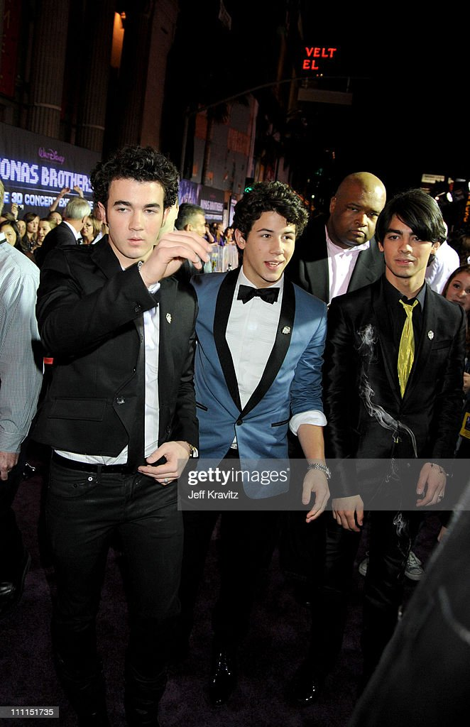 <a gi-track='captionPersonalityLinkClicked' href=/galleries/search?phrase=Kevin+Jonas&family=editorial&specificpeople=709547 ng-click='$event.stopPropagation()'>Kevin Jonas</a>, <a gi-track='captionPersonalityLinkClicked' href=/galleries/search?phrase=Nick+Jonas&family=editorial&specificpeople=842713 ng-click='$event.stopPropagation()'>Nick Jonas</a> and <a gi-track='captionPersonalityLinkClicked' href=/galleries/search?phrase=Joe+Jonas&family=editorial&specificpeople=842712 ng-click='$event.stopPropagation()'>Joe Jonas</a> at the 'Jonas Brothers: 3D Concert Experience' Premiere at El Capitan Theatre on February 24, 2009 in Hollywood.