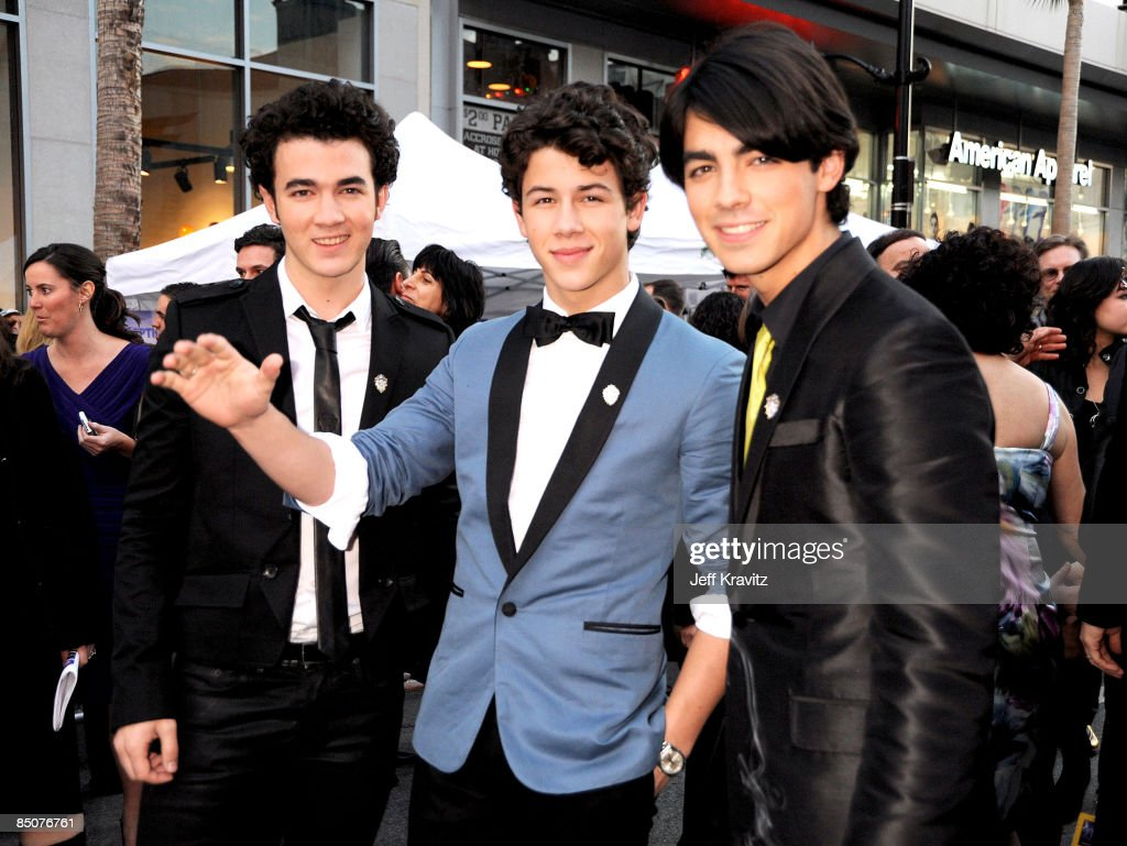 Kevin Jonas, <a gi-track='captionPersonalityLinkClicked' href=/galleries/search?phrase=Nick+Jonas&family=editorial&specificpeople=842713 ng-click='$event.stopPropagation()'>Nick Jonas</a> and Joe Jonas at the 'Jonas Brothers: 3D Concert Experience' Premiere at El Capitan Theatre on February 24, 2009 in Hollywood.