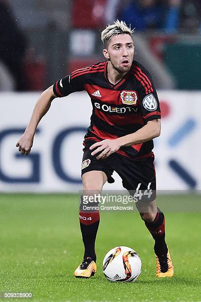 Kevin Kampl of Bayer Leverkusen controls the ball during the DFB Cup Quarter Final match between Bayer Leverkusen and Werder Bremen at BayArena on...