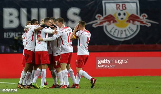 Kevin Kampl of Leipzig jubilates with team mates after scoring the first goal during the Bundesliga match between RB Leipzig and 1FSV Mainz 05 at Red...