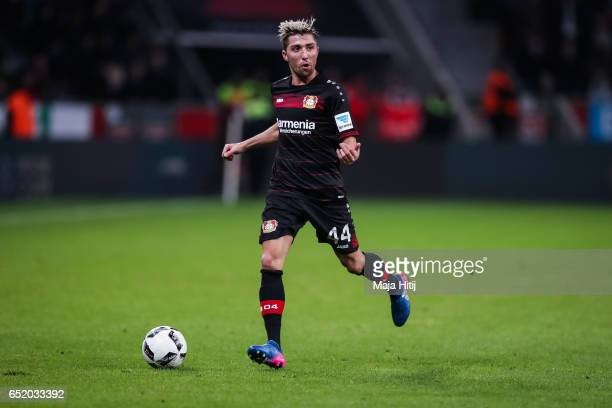 Kevin Kampl of Leverkusen controls the ball during the Bundesliga match between Bayer 04 Leverkusen and Werder Bremen at BayArena on March 10 2017 in...