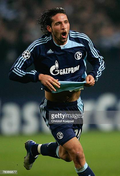 Kevin Kuranyi of Schalke celebrates the third goal during the UEFA Champions League Group B match between Schalke 04 and Rosenborg Trondheim at the...