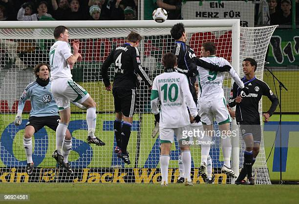 Kevin Kuranyi of Schalke scores the first goal with a header during the Bundesliga match between VfL Wolfsburg and FC Schalke 04 at Volkswagen Arena...