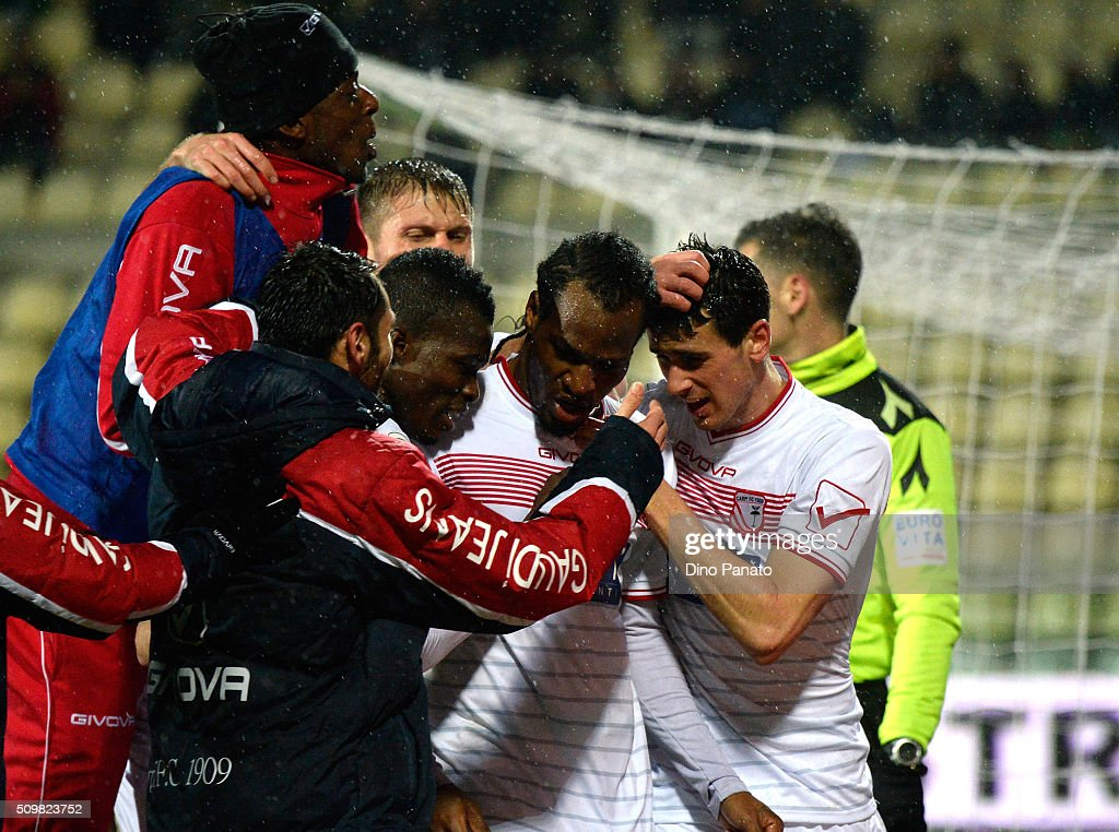 Kevin Lasagna #15 of Carpi FC celebrates with teammates after scoring his team's first goal during the Serie A match between Carpi FC and AS Roma at Alberto Braglia Stadium on February 12, 2016 in Modena, Italy.