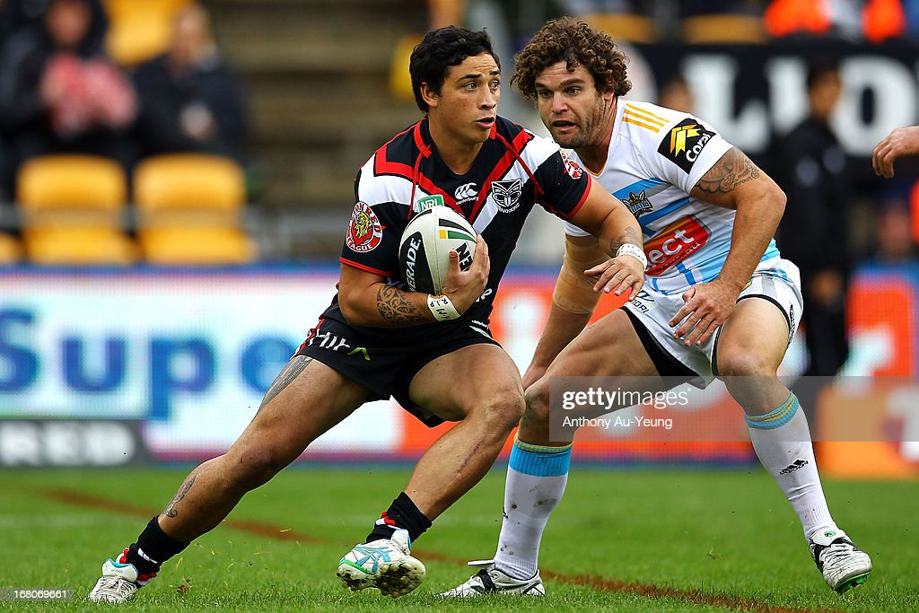 Kevin Locke of the Warriors makes a run during the round eight NRL match between the New Zealand Warriors and the Gold Coast Titans at Mt Smart Stadium on May 5, 2013 in Auckland, New Zealand.