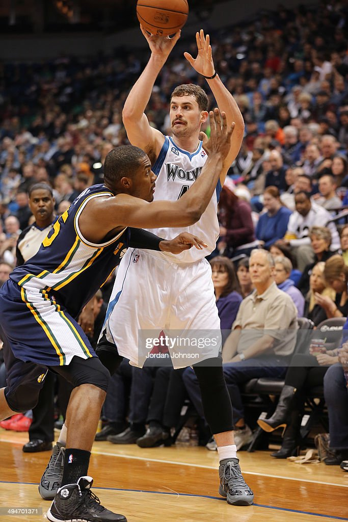 <a gi-track='captionPersonalityLinkClicked' href=/galleries/search?phrase=Kevin+Love&family=editorial&specificpeople=4212726 ng-click='$event.stopPropagation()'>Kevin Love</a> #42 of the Minnesota Timberwolves passes the ball against the Utah Jazz on April 16, 2014 at Target Center in Minneapolis, Minnesota.