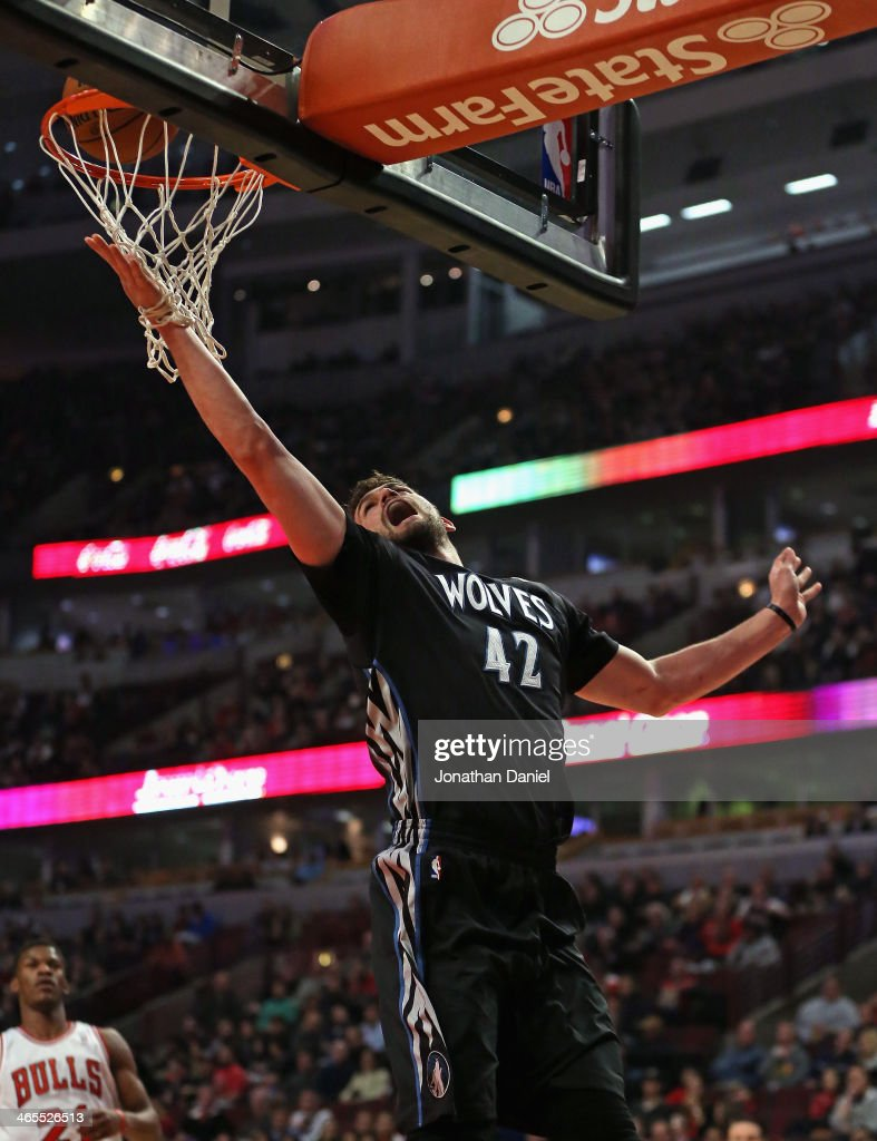 Kevin Love #42 of the Minnesota Timberwolves puts in a shot on his way to a game-high 31 points against the Chicago Bulls at the United Center on January 27, 2014 in Chicago, Illinois. The Timberwolves defeated the Bulls 95-86.