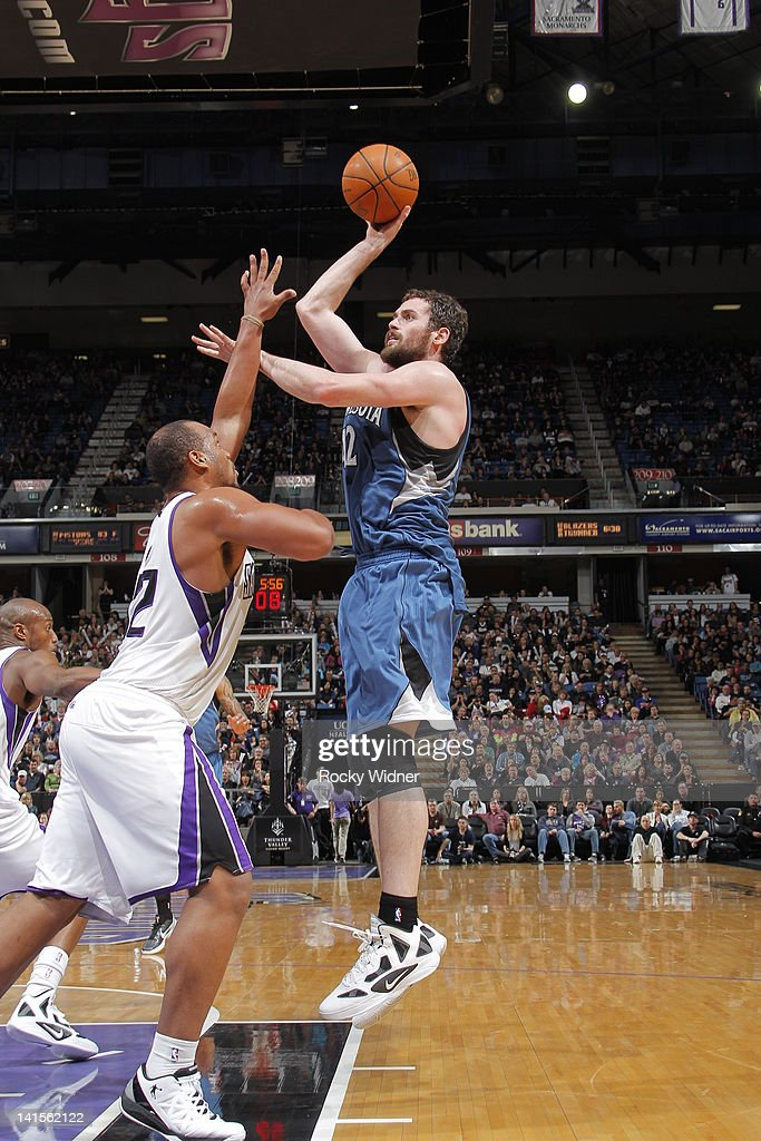 <a gi-track='captionPersonalityLinkClicked' href=/galleries/search?phrase=Kevin+Love&family=editorial&specificpeople=4212726 ng-click='$event.stopPropagation()'>Kevin Love</a> #42 of the Minnesota Timberwolves shoots the ball against <a gi-track='captionPersonalityLinkClicked' href=/galleries/search?phrase=Chuck+Hayes&family=editorial&specificpeople=206129 ng-click='$event.stopPropagation()'>Chuck Hayes</a> #42 of the Sacramento Kings on March 18, 2012 at Power Balance Pavilion in Sacramento, California.
