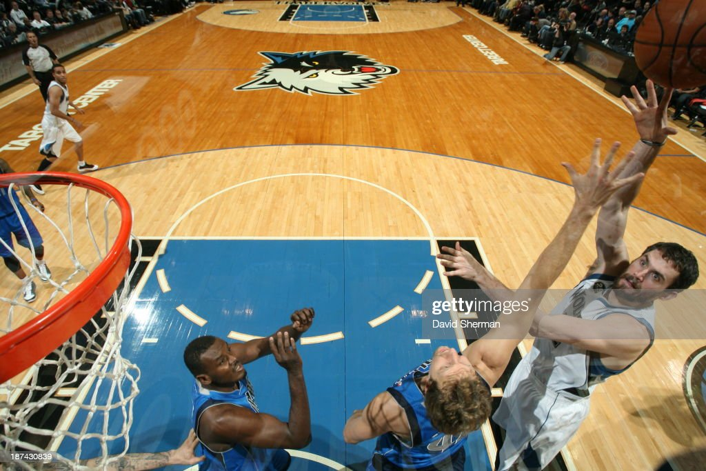 Kevin Love #42 of the Minnesota Timberwolves shoots the ball against the Dallas Mavericks on November 8, 2013 at Target Center in Minneapolis, Minnesota.