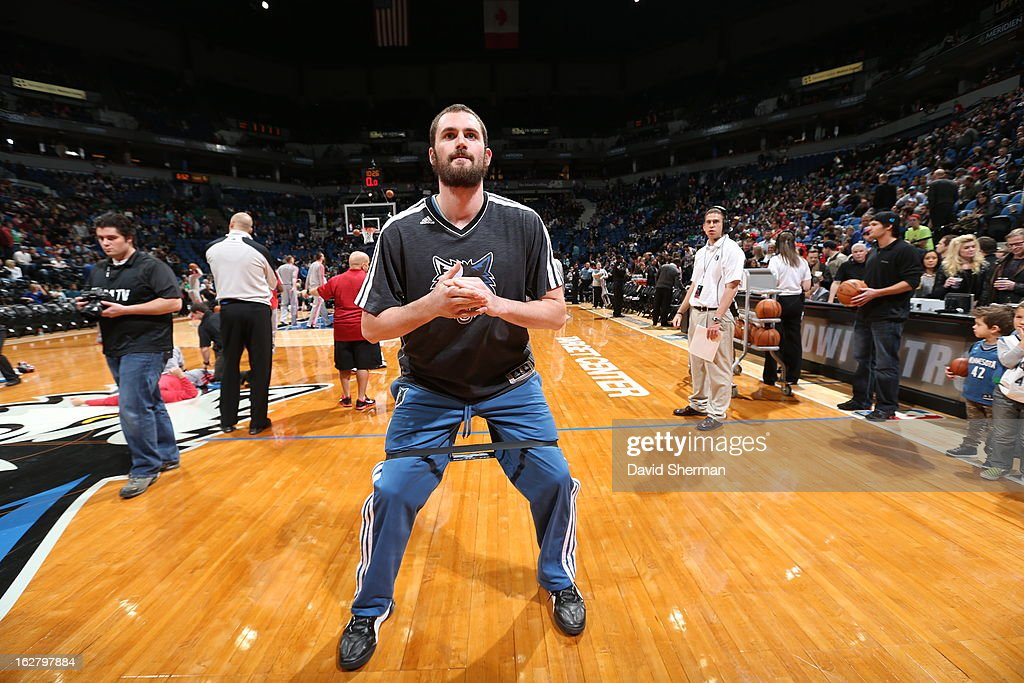 <a gi-track='captionPersonalityLinkClicked' href=/galleries/search?phrase=Kevin+Love&family=editorial&specificpeople=4212726 ng-click='$event.stopPropagation()'>Kevin Love</a> #42 of the Minnesota Timberwolves warms up before the game against the Houston Rockets on December 26, 2012 at Target Center in Minneapolis, Minnesota.