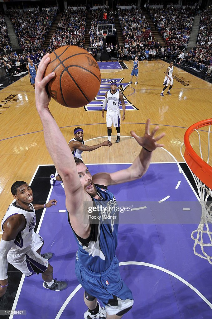<a gi-track='captionPersonalityLinkClicked' href=/galleries/search?phrase=Kevin+Love&family=editorial&specificpeople=4212726 ng-click='$event.stopPropagation()'>Kevin Love</a> #42 of the Minnesota Timbewolves dunks the ball against the Sacramento Kings on March 18, 2012 at Power Balance Pavilion in Sacramento, California.