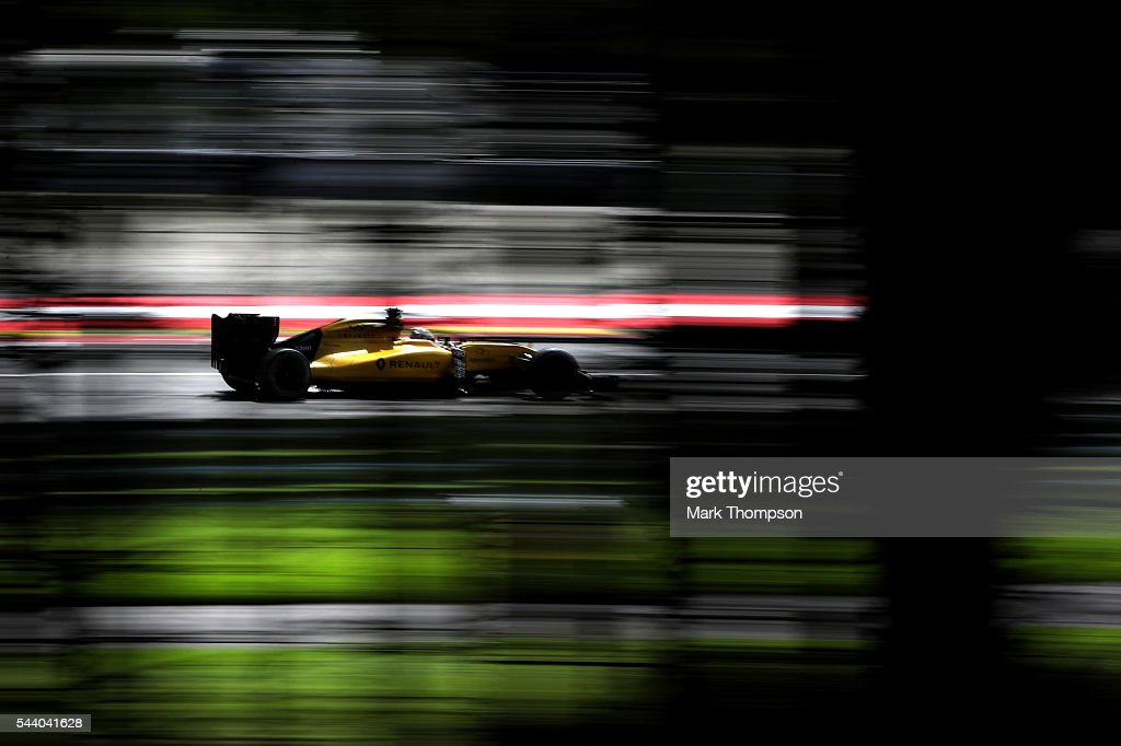 <a gi-track='captionPersonalityLinkClicked' href=/galleries/search?phrase=Kevin+Magnussen&family=editorial&specificpeople=7882003 ng-click='$event.stopPropagation()'>Kevin Magnussen</a> of Denmark driving the (20) Renault Sport Formula One Team Renault RS16 Renault RE16 turbo on track during practice for the Formula One Grand Prix of Austria at Red Bull Ring on July 1, 2016 in Spielberg, Austria.