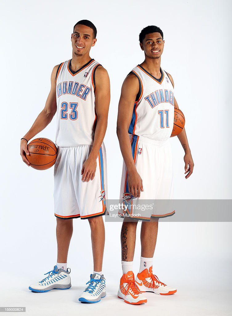 ¿Cuánto mide Ricky Rubio? - Altura - Real height Kevin-martin-and-jeremy-lamb-pose-for-a-portrait-on-october-29-2012-picture-id155000824
