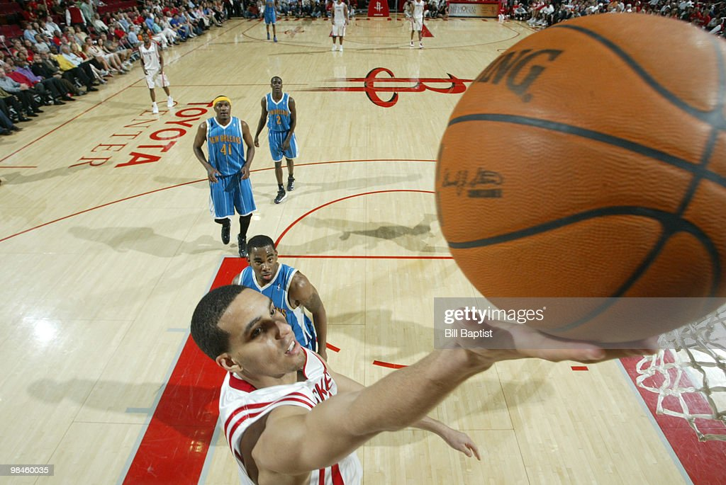 Kevin Martin of the Houston Rockets shoots the ball against the New Orleans Hornets on April 14 2010 at the Toyota Center in Houston Texas NOTE TO...