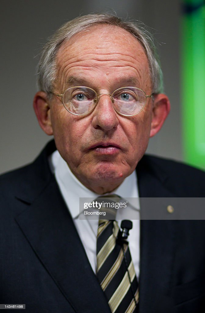 Kevin McCann, chairman of Macquarie Group Ltd., attends a media briefing in Sydney - kevin-mccann-chairman-of-macquarie-group-ltd-attends-a-media-briefing-picture-id143461498