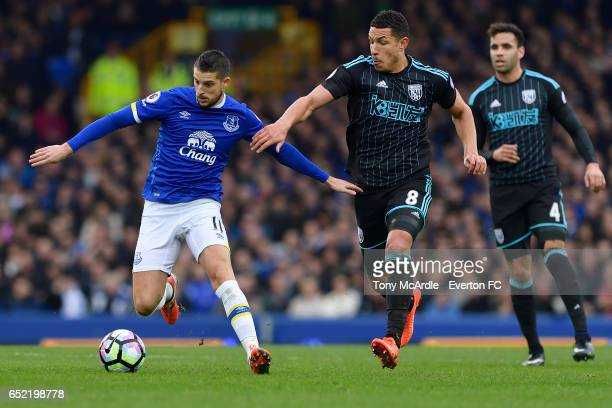 Kevin Mirallas Jose Salomon Rondon and Hal RobsonKanu during the Premier League match between Everton and West Bromwich Albion at the Goodison Park...