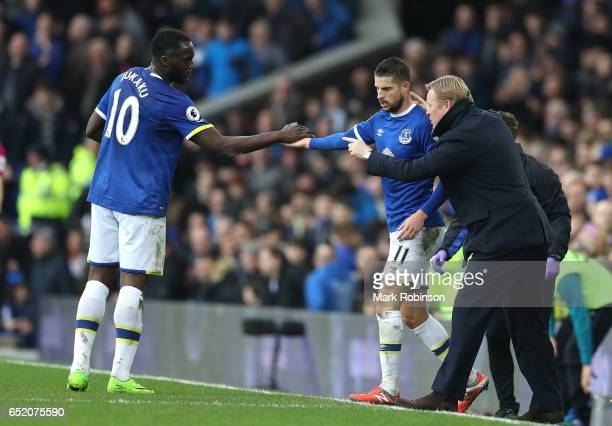 Kevin Mirallas of Everton celebrates scoring his sides first goal with Romelu Lukaku of Everton and Ronald Koeman Manager of Everton during the...