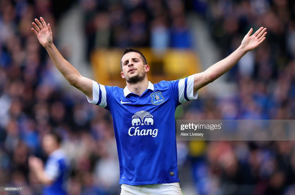 <a gi-track='captionPersonalityLinkClicked' href=/galleries/search?phrase=Kevin+Mirallas&family=editorial&specificpeople=745704 ng-click='$event.stopPropagation()'>Kevin Mirallas</a> of Everton celebrates scoring the third goal during the Barclays Premier League match between Everton and Arsenal at Goodison Park on April 6, 2014 in Liverpool, England.