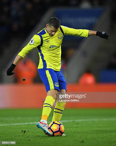 Kevin Mirallas of Everton scores the opening goal during the Premier League match between Leicester City and Everton at The King Power Stadium on...
