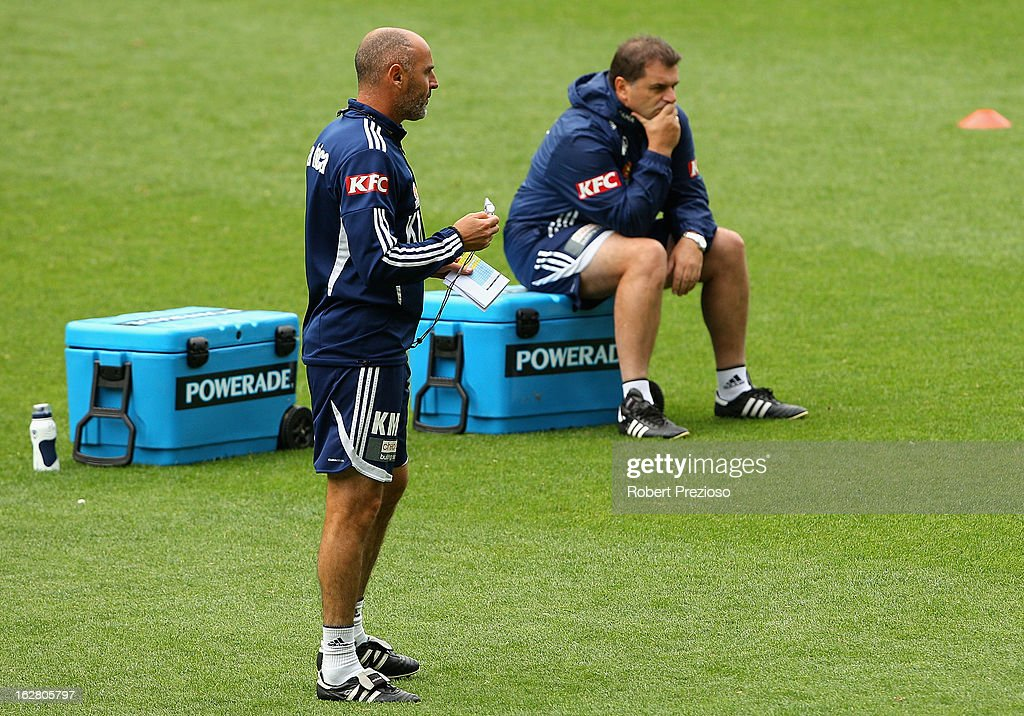 <a gi-track='captionPersonalityLinkClicked' href=/galleries/search?phrase=Kevin+Muscat&family=editorial&specificpeople=242953 ng-click='$event.stopPropagation()'>Kevin Muscat</a> gives instructions to players as coach Ange Postecoglou looks on during a Melbourne Victory A-League training session at AAMI Park on February 28, 2013 in Melbourne, Australia.