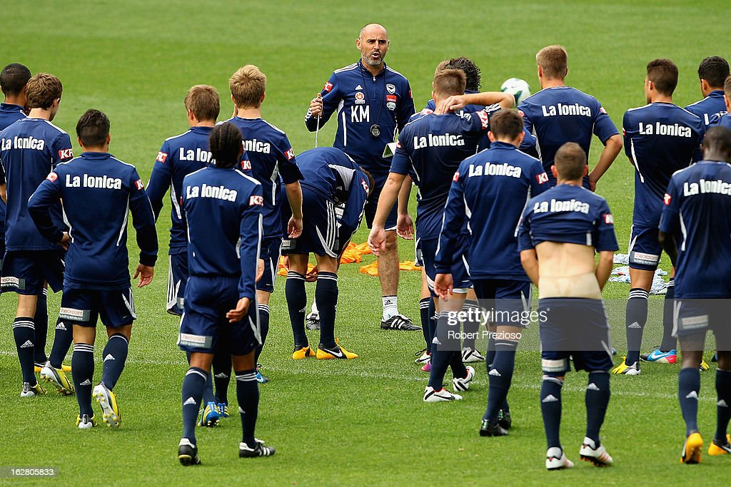 <a gi-track='captionPersonalityLinkClicked' href=/galleries/search?phrase=Kevin+Muscat&family=editorial&specificpeople=242953 ng-click='$event.stopPropagation()'>Kevin Muscat</a> gives instructions to players during a Melbourne Victory A-League training session at AAMI Park on February 28, 2013 in Melbourne, Australia.