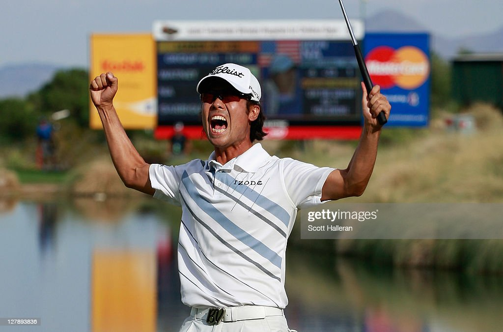 <a gi-track='captionPersonalityLinkClicked' href=/galleries/search?phrase=Kevin+Na&family=editorial&specificpeople=235605 ng-click='$event.stopPropagation()'>Kevin Na</a> celebrates his two-stroke victory on the 18th green during the final round of the Justin Timberlake Shriners Hospitals for Children Open at the TPC Summerlin on October 2, 2011 in Las Vegas, Nevada.
