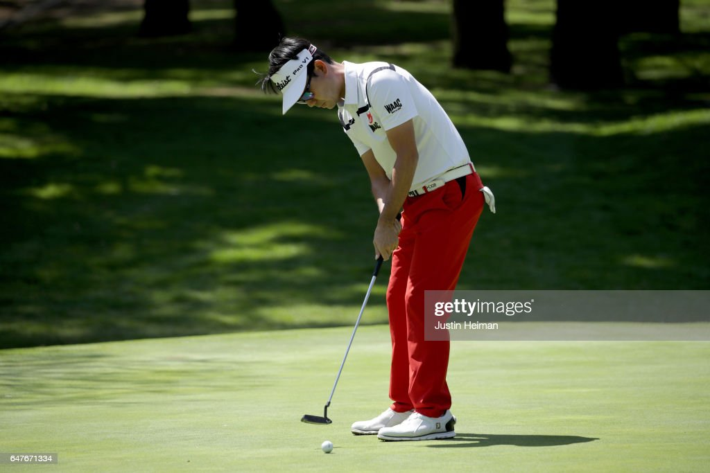 Kevin Na of the United States putts on the first hole during the second round of the World Golf Championships Mexico Championship at Club De Golf Chapultepec on March 3, 2017 in Mexico City, Mexico.