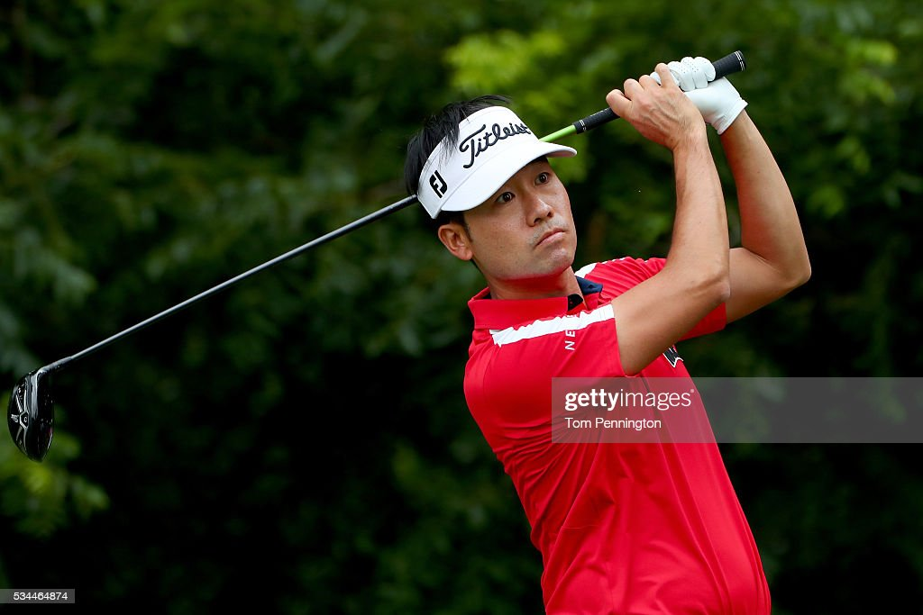 <a gi-track='captionPersonalityLinkClicked' href=/galleries/search?phrase=Kevin+Na&family=editorial&specificpeople=235605 ng-click='$event.stopPropagation()'>Kevin Na</a> plays his shot from the sixth tee during the First Round of the DEAN & DELUCA Invitational at Colonial Country Club on May 26, 2016 in Fort Worth, Texas.
