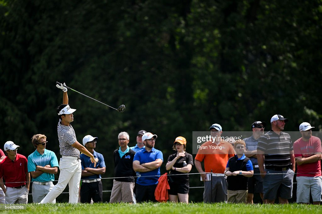 <a gi-track='captionPersonalityLinkClicked' href=/galleries/search?phrase=Kevin+Na&family=editorial&specificpeople=235605 ng-click='$event.stopPropagation()'>Kevin Na</a> tees off on the fourth hole during the second round of the World Golf Championships-Bridgestone Invitational at Firestone Country Club on July 1, 2016 in Akron, Ohio.