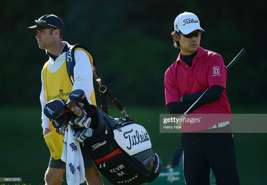 <a gi-track='captionPersonalityLinkClicked' href=/galleries/search?phrase=Kevin+Na&family=editorial&specificpeople=235605 ng-click='$event.stopPropagation()'>Kevin Na</a> waits to putt on the seventh green during the second round of the Northern Trust Open at the Riviera Country Club on February 15, 2013 in Pacific Palisades, California.