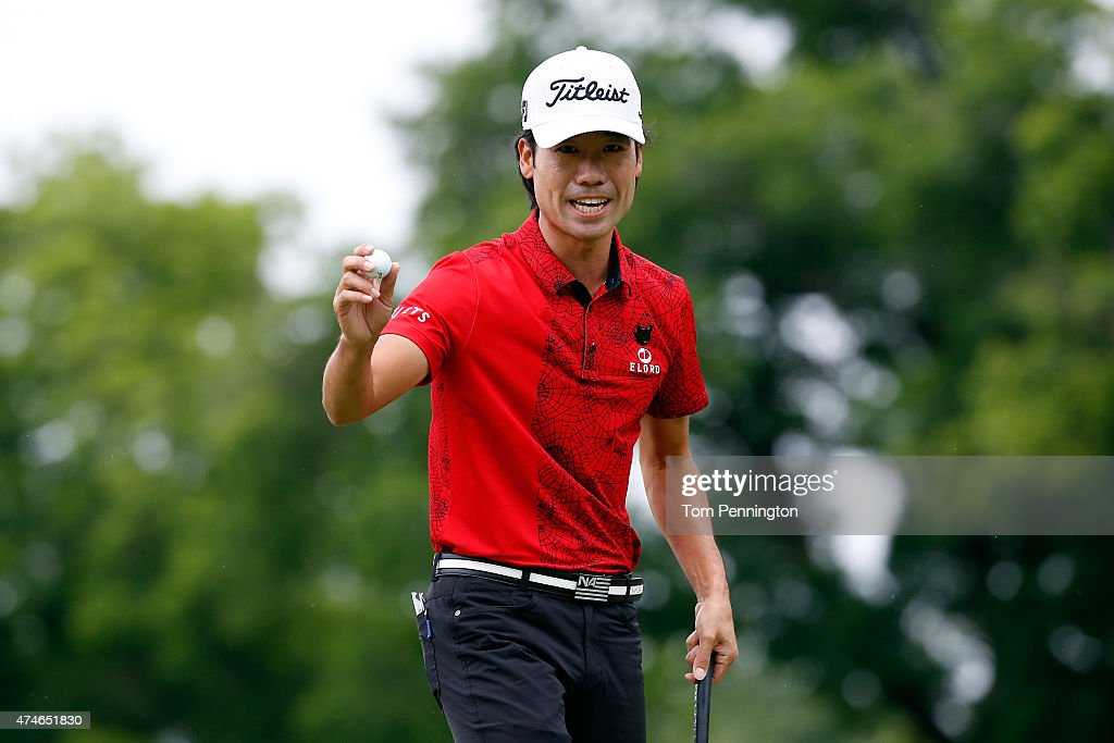<a gi-track='captionPersonalityLinkClicked' href=/galleries/search?phrase=Kevin+Na&family=editorial&specificpeople=235605 ng-click='$event.stopPropagation()'>Kevin Na</a> waves on the 2nd green during the final round of the Crowne Plaza Invitational at the Colonial Country Club on May 24, 2015 in Fort Worth, Texas.