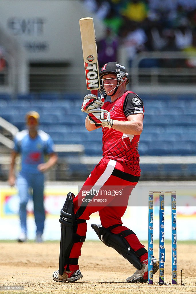 Kevin O'Brian pulls for four during the Eighteenth Match of the Cricket Caribbean Premier League between St. Lucia Zouks v Trinidad and Tobago Red Steel at Sabina Park on August 17, 2013 in Kingston, Jamaica.