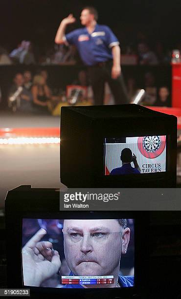 Kevin Painter in action during his match against Andy Jenkins during the 2005 Ladbrokescom World Darts Championship at The Circus Tavern on December...