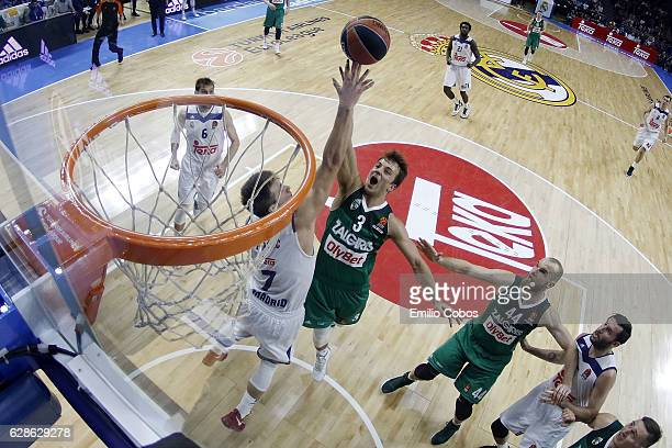 Kevin Pangos #3 of Zalgiris Kaunas in action during the 2016/2017 Turkish Airlines EuroLeague Regular Season Round 11 game between Real Madrid v...