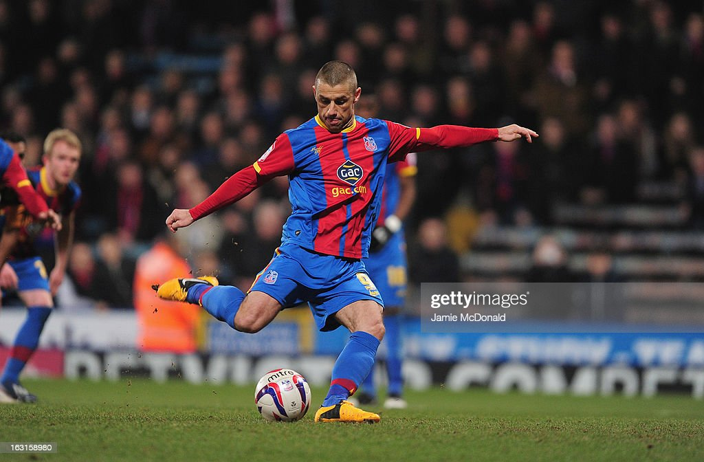 Kevin Phillips of Crystal Palace scores a penalty during the npower Championship match between Crystal Palace and Hull City at Selhurst Park on March 5, 2013 in London, England.