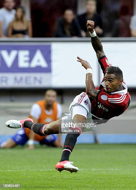 Kevin Prince Boateng of AC Milan shoots during the Serie A match between AC Milan and UC Sampdoria at San Siro Stadium on August 26 2012 in Milan...