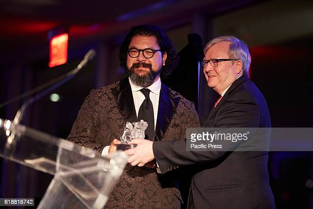 Kevin Rudd former Prime Minister of Australia and President Asia Society Polict Institute presents Karim Wasfi Awarded during the 2016 Asia Game...