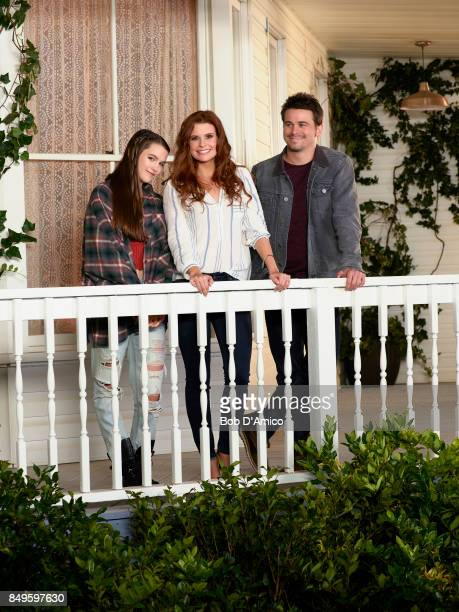 SAVES THE WORLD ABC'S 'Kevin Saves the World' stars Chloe East and Reese Cabrera JoAnna Garcia Swisher as Amy Cabrera and Jason Ritter as Kevin Finn