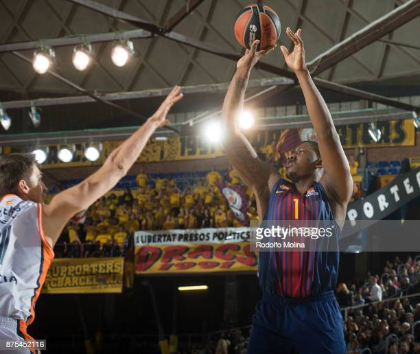 Kevin Seraphine #1 of FC Barcelona Lassa in action during the 2017/2018 Turkish Airlines EuroLeague Regular Season Round 8 game between FC Barcelona...