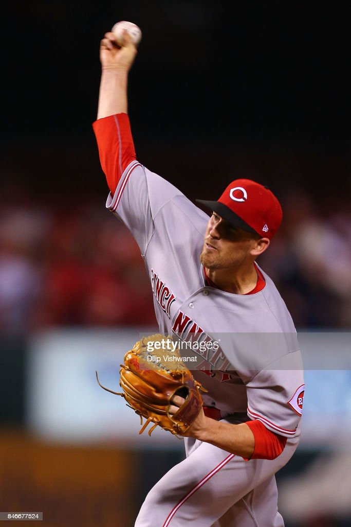 Kevin Shackelford #41 of the Cincinnati Reds pitches against the St. Louis Cardinals in the sixth inning at Busch Stadium on September 13, 2017 in St. Louis, Missouri.