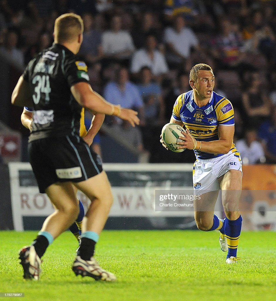 <a gi-track='captionPersonalityLinkClicked' href=/galleries/search?phrase=Kevin+Sinfield&family=editorial&specificpeople=240224 ng-click='$event.stopPropagation()'>Kevin Sinfield</a> of Leeds Rhinos looks to attack during the Super League match between London Broncos and Leeds Rhinos at Twickenham Stoop on August 01, 2013 in London, England.