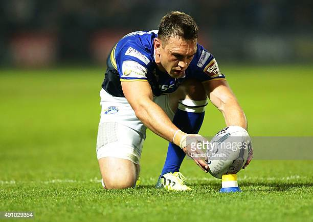 Kevin Sinfield of Leeds Rhinos prepares the ball for a penalty kick during the First Utility Super League Semi Final between Leeds Rhinos and St...