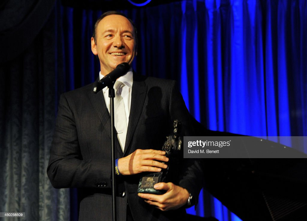 <a gi-track='captionPersonalityLinkClicked' href=/galleries/search?phrase=Kevin+Spacey&family=editorial&specificpeople=202091 ng-click='$event.stopPropagation()'>Kevin Spacey</a> accepts The Editor's Award at the 59th London Evening Standard Theatre Awards at The Savoy Hotel on November 17, 2013 in London, England.