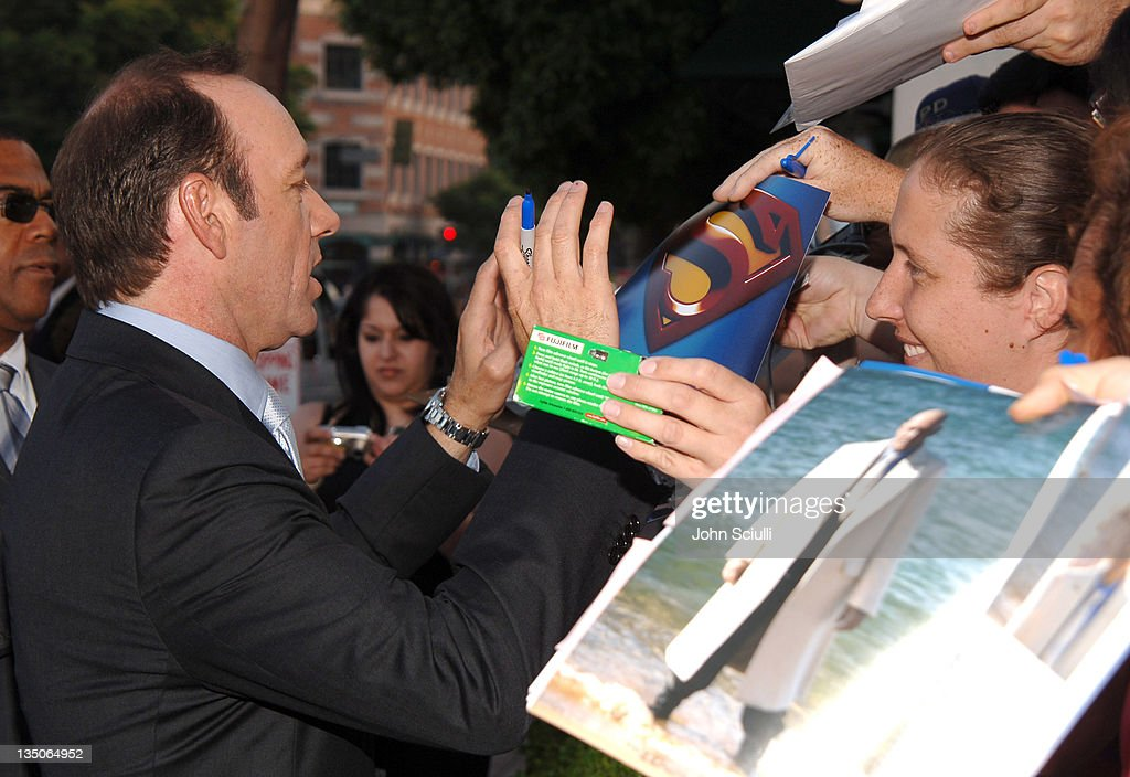 Kevin Spacey and fans during 'Superman Returns' World Premiere Sponsored By Belstaff at Mann Village and Bruin Theaters in Westwood California United...