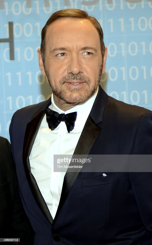 <a gi-track='captionPersonalityLinkClicked' href=/galleries/search?phrase=Kevin+Spacey&family=editorial&specificpeople=202091 ng-click='$event.stopPropagation()'>Kevin Spacey</a> attends the Breakthrough Prize Inaugural Ceremony at Nasa Ames Research Center on December 12, 2013 in Mountain View, California.