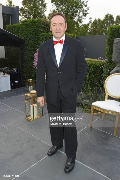 Kevin Spacey attends the Woodside Gallery Dinner in benefit of Elton John AIDS Foundation in partnership with BVLGARI at Woodside on June 22 2017 in...
