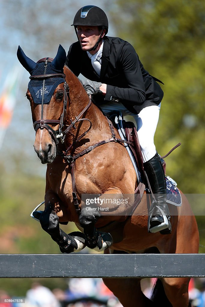 <a gi-track='captionPersonalityLinkClicked' href=/galleries/search?phrase=Kevin+Staut&family=editorial&specificpeople=4386325 ng-click='$event.stopPropagation()'>Kevin Staut</a> of France riding For Joy van��t Zorgviliet during the Global Champions Tour Grand Prix of Hamburg on May 7, 2016 in Hamburg, Germany.